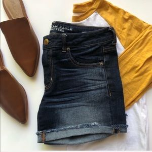 American Eagle Outfitters boy midi shorts